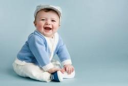 Ребенку 8 месяцев. Правильный уход и развитие ребенка в 8 месяцев. Питание и режим дня ребенка на 8-м месяце жизни. Что должен уметь делать реб