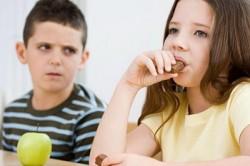 Сахарный диабет у детей. Причины сахарного диабета у детей. Симптомы сахарного диабета у детей. Способы лечения сахарного диабета у детей.