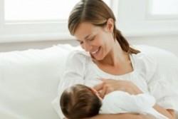 Как отлучить маленького ребенка от груди?